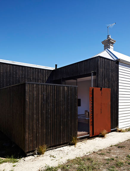 100 Jaar oude arbeiders huisje volledig hersteld