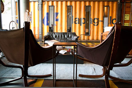 25 hours hotel hafencity in hamburg inrichting. Black Bedroom Furniture Sets. Home Design Ideas