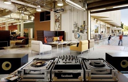 De inrichting van het hoofdkantoor van Facebook