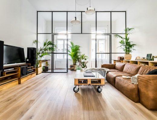Werkplek idee glazen wand als scheidingswand tussen werkplek en woonkamer