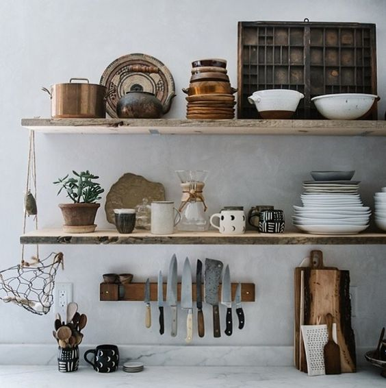 Aardetinten inrichting - Decoratie woonkamer met open keuken ...
