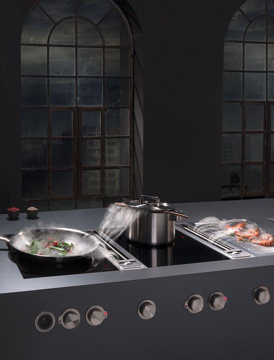 Kleine keuken afzuigkap in kookplaat