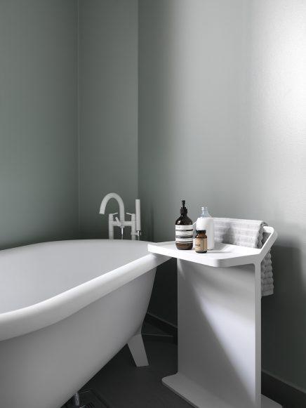 Appartement met mooie grijs groene muren