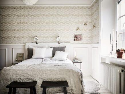 Dit appartement heeft een scheidingswand om verliefd op te for Decorare la stanza da letto