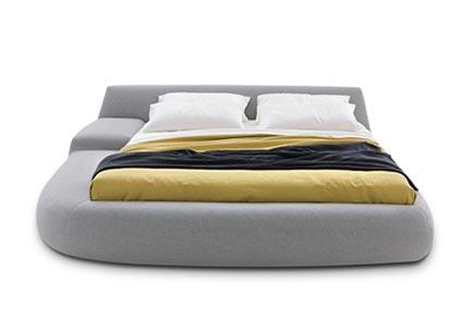 Asymmetrisch bed van Poliform  Inrichting-huis.com