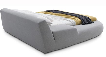Asymmetrisch bed van Poliform