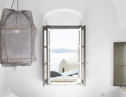 ay-illuminate-hanglamp-sophia-suites-santorini