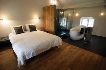 badewanne im schlafzimmer wohnideen einrichten. Black Bedroom Furniture Sets. Home Design Ideas