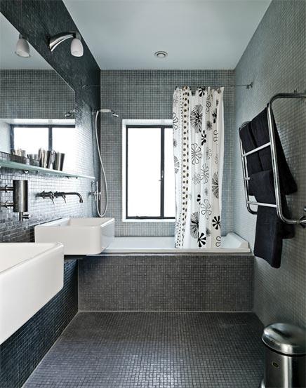 http://www.inrichting-huis.com/wp-content/afbeeldingen/badkamer-grijze-mozaiek.jpg
