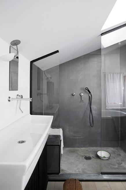 Badkamer met mega inloopdouche