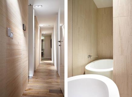 Badkamer met veel spiegels