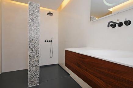Badkamer ontwerp met luxe materialen inrichting - Luxe badkamer design ...