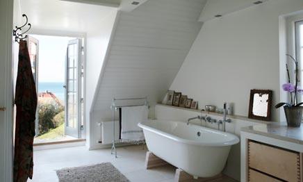 Badkamer met openslaande deuren