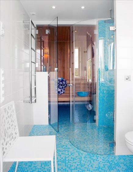 Badkamer met ronde douche