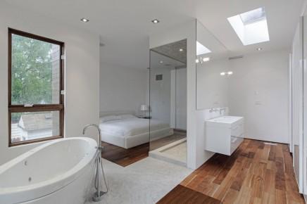 Badkamer slaapkamer combi inrichting - Glazen kamer bad ...