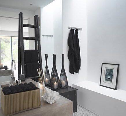 Badkamer met dakraam in schuine wand | Inrichting-huis.com