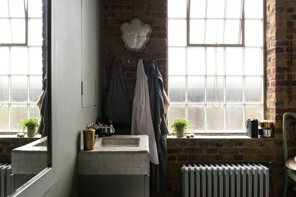 bakstenen-muur-badkamer