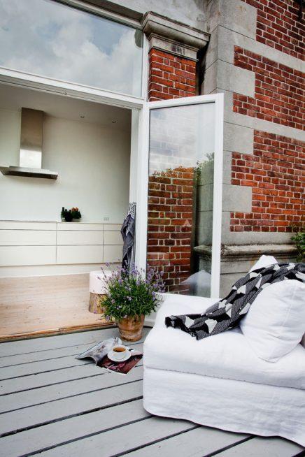 Balkon terras aan de keuken