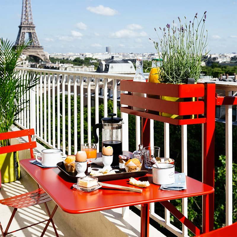 balkonhek tafel fermob balcony table