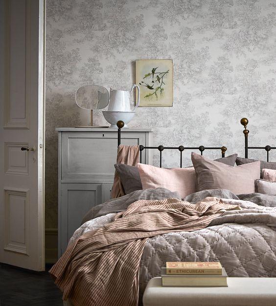 http://www.inrichting-huis.com/wp-content/afbeeldingen/behang-klassiek-interieur-2.jpg