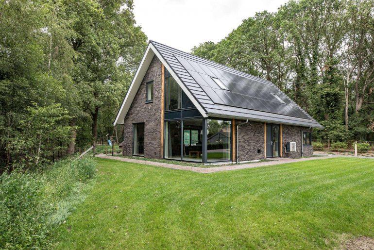 besparen energiekosten zonnepanelen