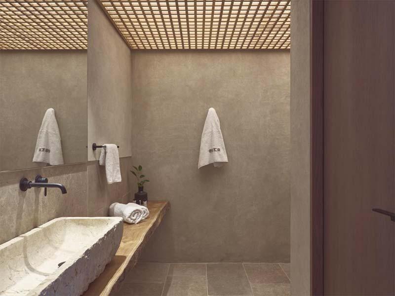 Beton ciré en hout in badkamer van luxe hotel