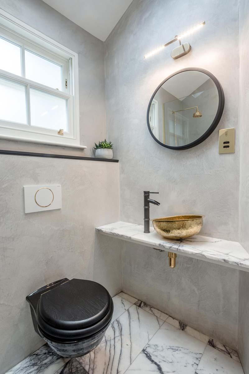 betonstuc muren toilet