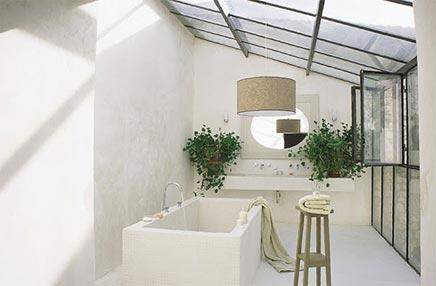 Betoverende badkamer gerestaureerde wijnmakerij