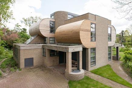 Bijzondere huis en inrichting te koop in haasten for Bijzondere huizen te koop