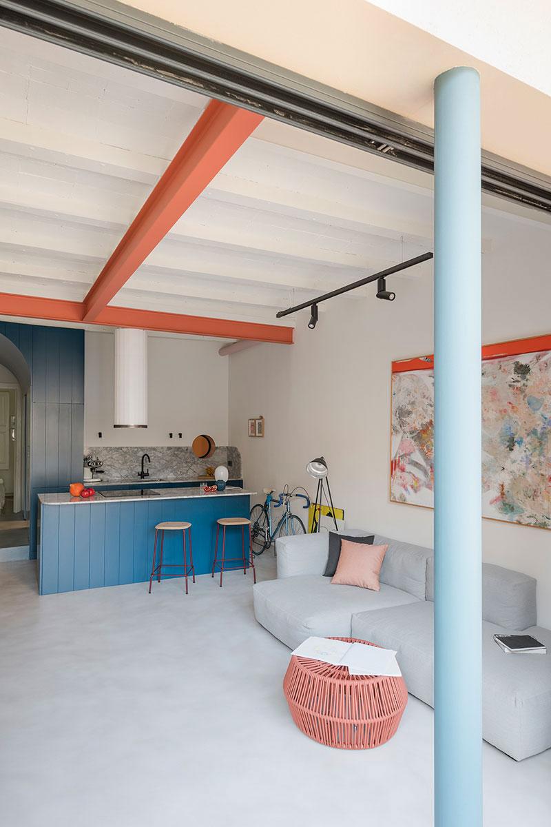Binnenkijken In Het Vrolijke En Mooie Appartement Van Spaanse Architect Andrea Serboli Inrichting Huis Com