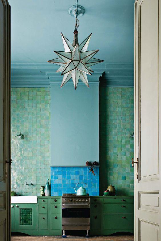 blauw-plafond-keuken