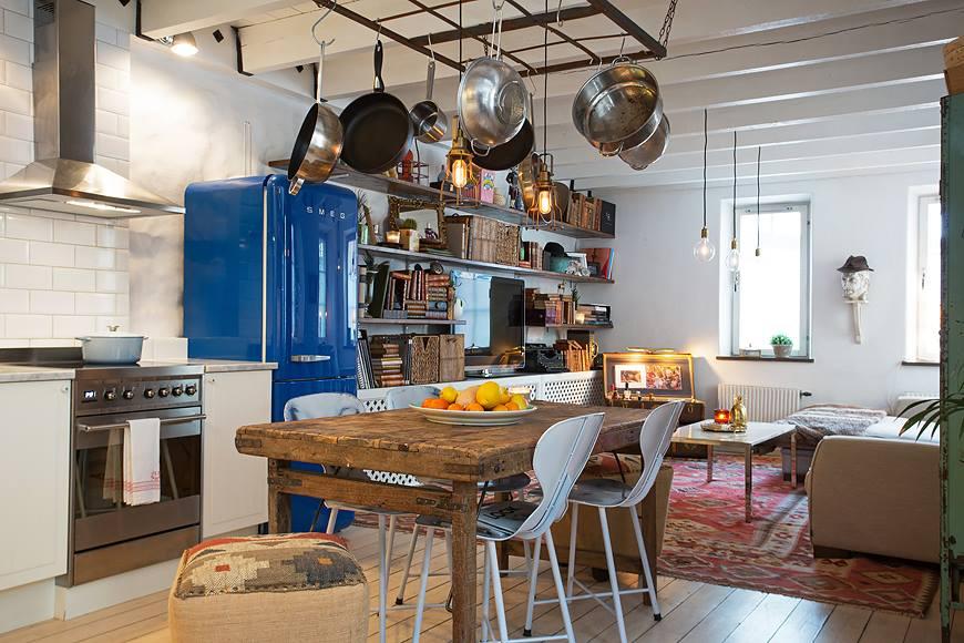blauwe smeg koelkast stijlvolle woonboerderij