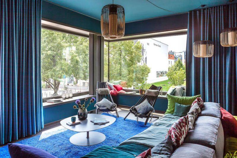 Blauwe woonkamer met een Aziatisch tintje
