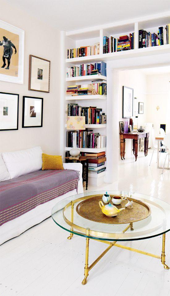 Boekenkast rondom deur