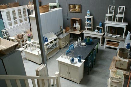 Brocante webwinkel old basics meubelen