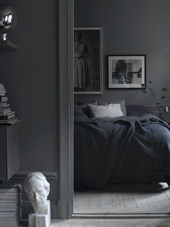 De charme van donkere interieurs