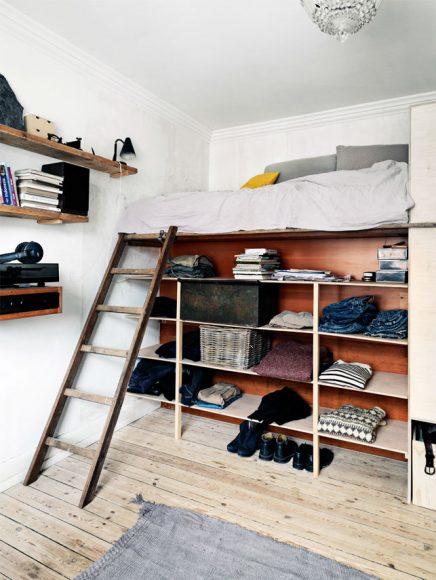 Creatieve slaapkamer met gerecycled hout