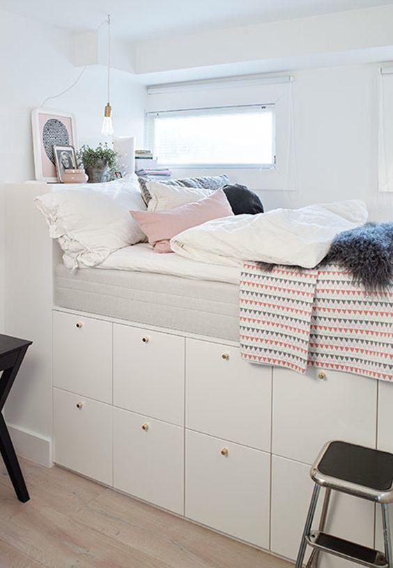Blauwe Ikea Slaapbank.Creeer Een Bed Met Een Ikea Ladekast Inrichting Huis Com
