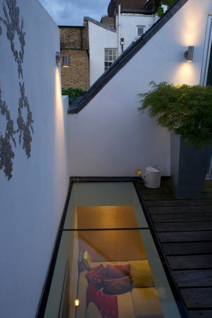 Dakterras met beloopbaar glas