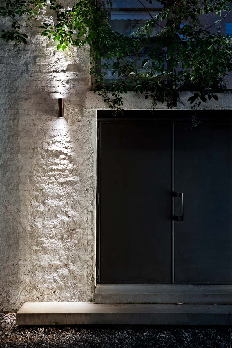 Design tuinmeubelen FLOS Clessidra wandlamp buiten
