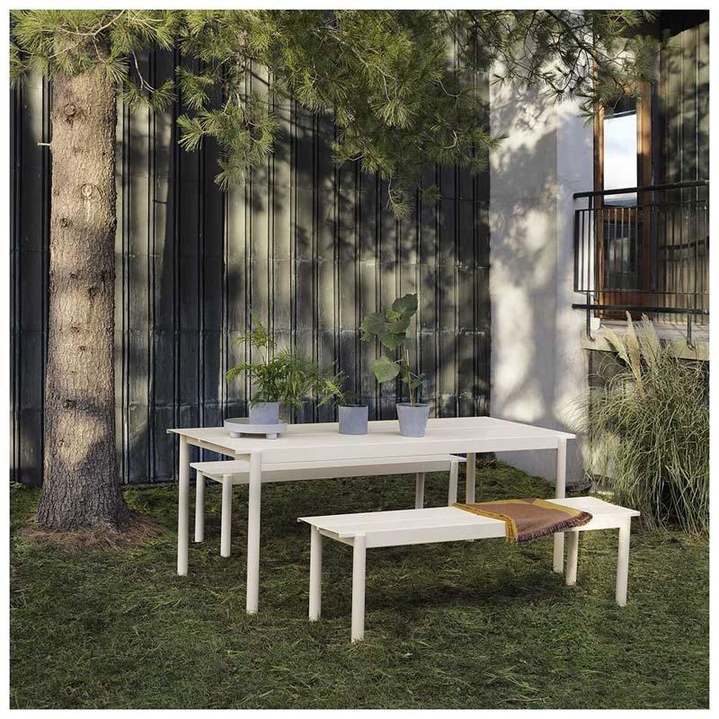 Design tuinmeubelen - Muuto Linear Steel tafel en bank
