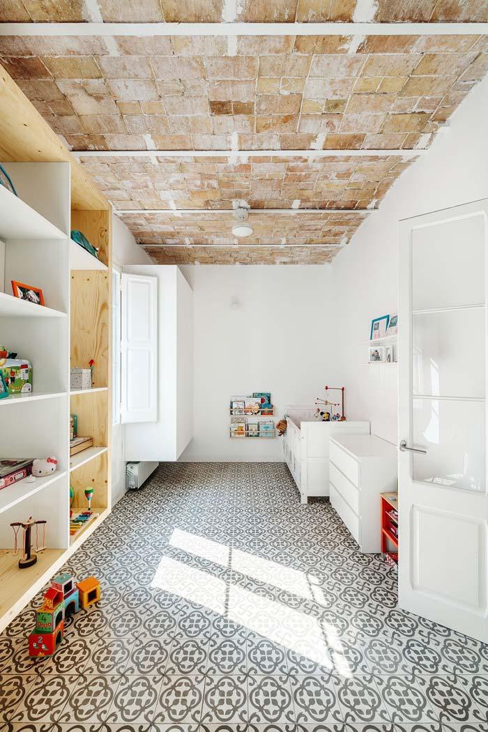 Kinderkamer met patroontegels