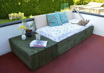 DIY budget loungebank