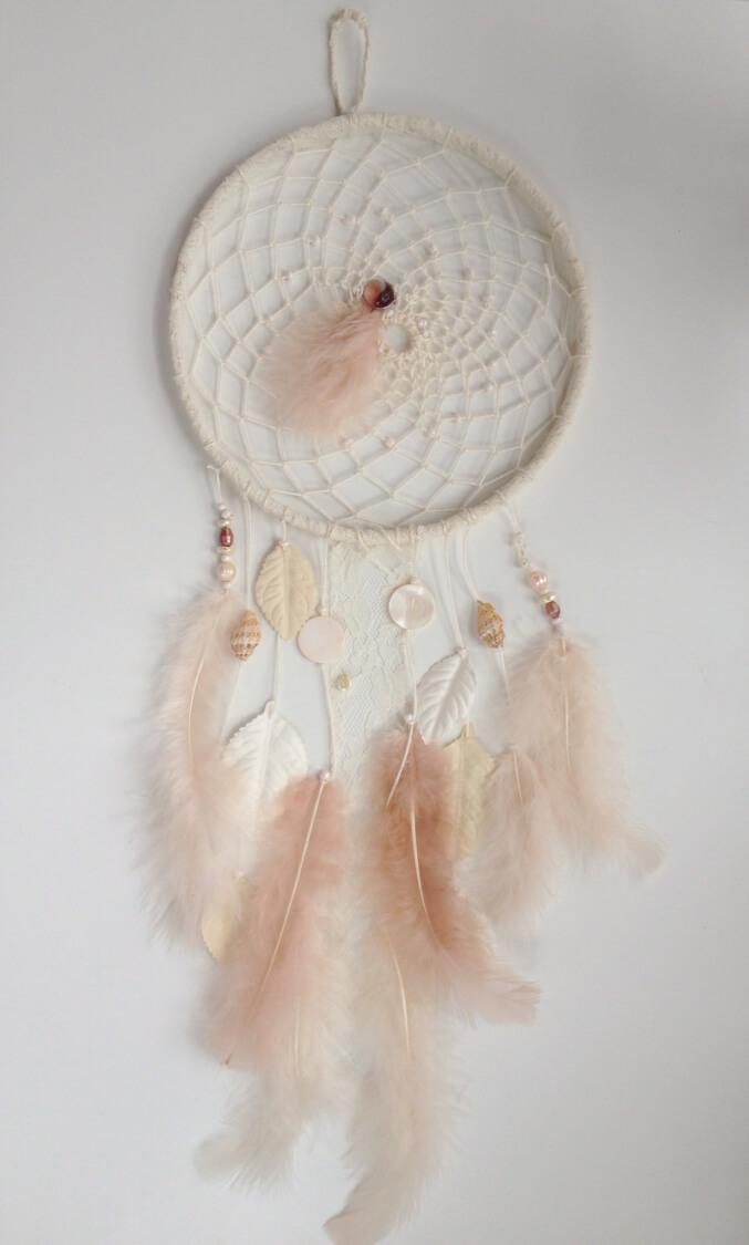 diy dromenvanger roze veren