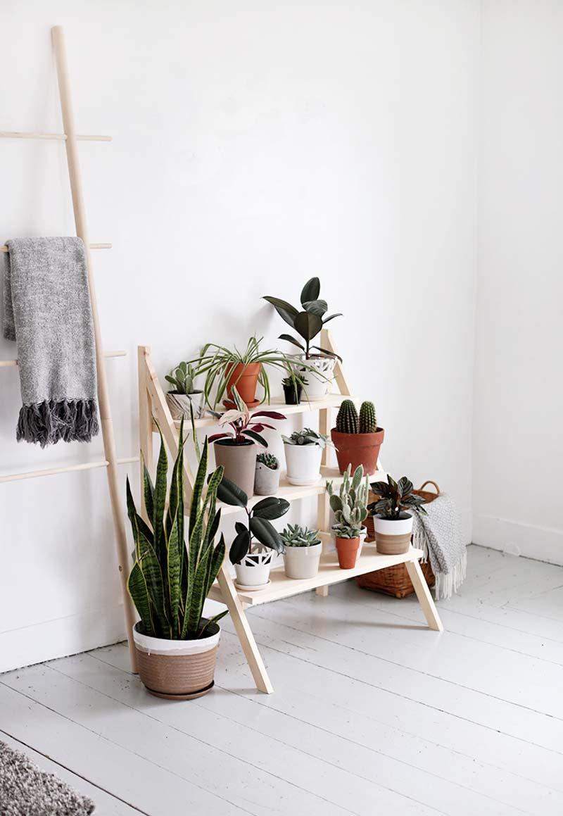 DIY houten plantenrek