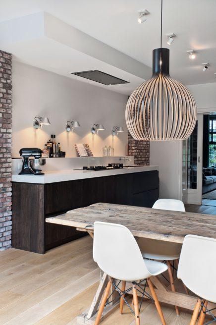 Donkere eiken houten keuken