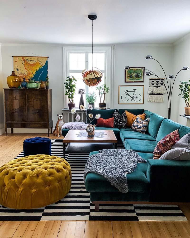 Eclectisch interieur meubels mix