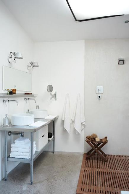 Einfache, aber speziellem Badezimmer