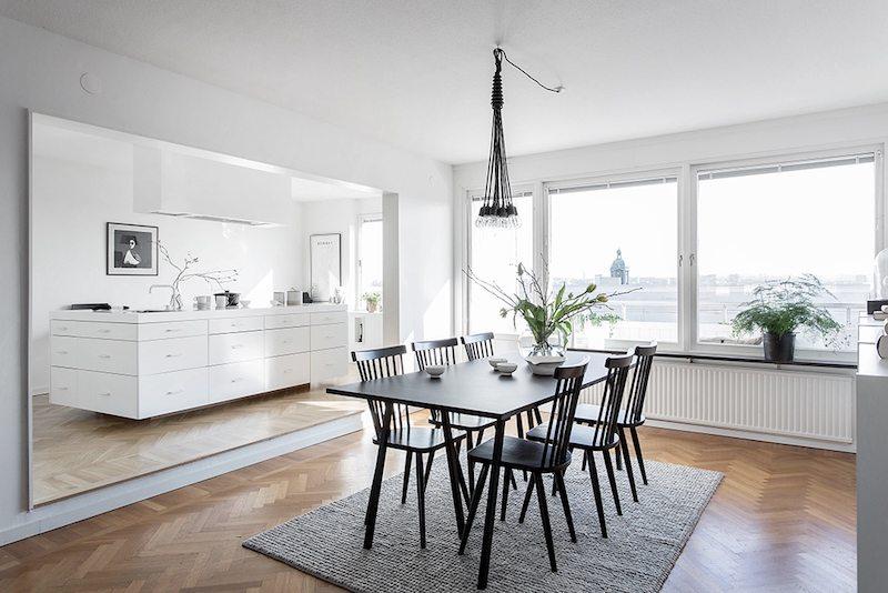 Mooie woonkamer met de perfecte leeshoek inrichting for Eethoek modern