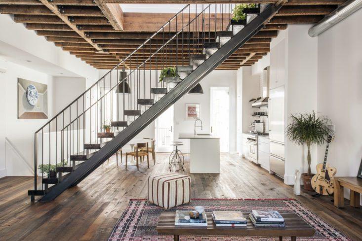 Werkplek Keuken Inrichten : Eettafel in een woonkamer met open keuken inrichting huis.com